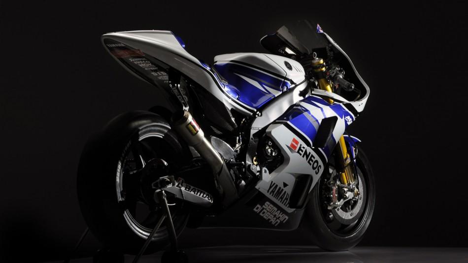 Yamaha M1 Yamaha-yzr-m1_02_slideshow_169