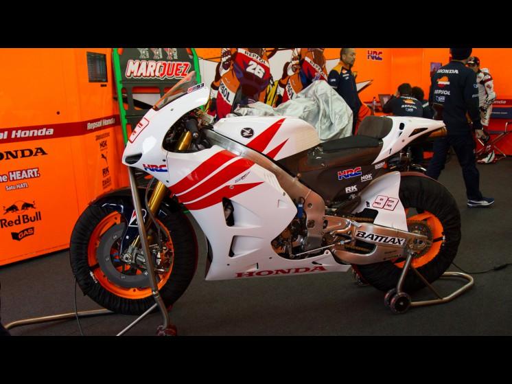 Mundial de Motociclismo - 2012 [MotoGP - Moto2 - Moto3] - Página 8 93marquez_testvalencia-18448_slideshow