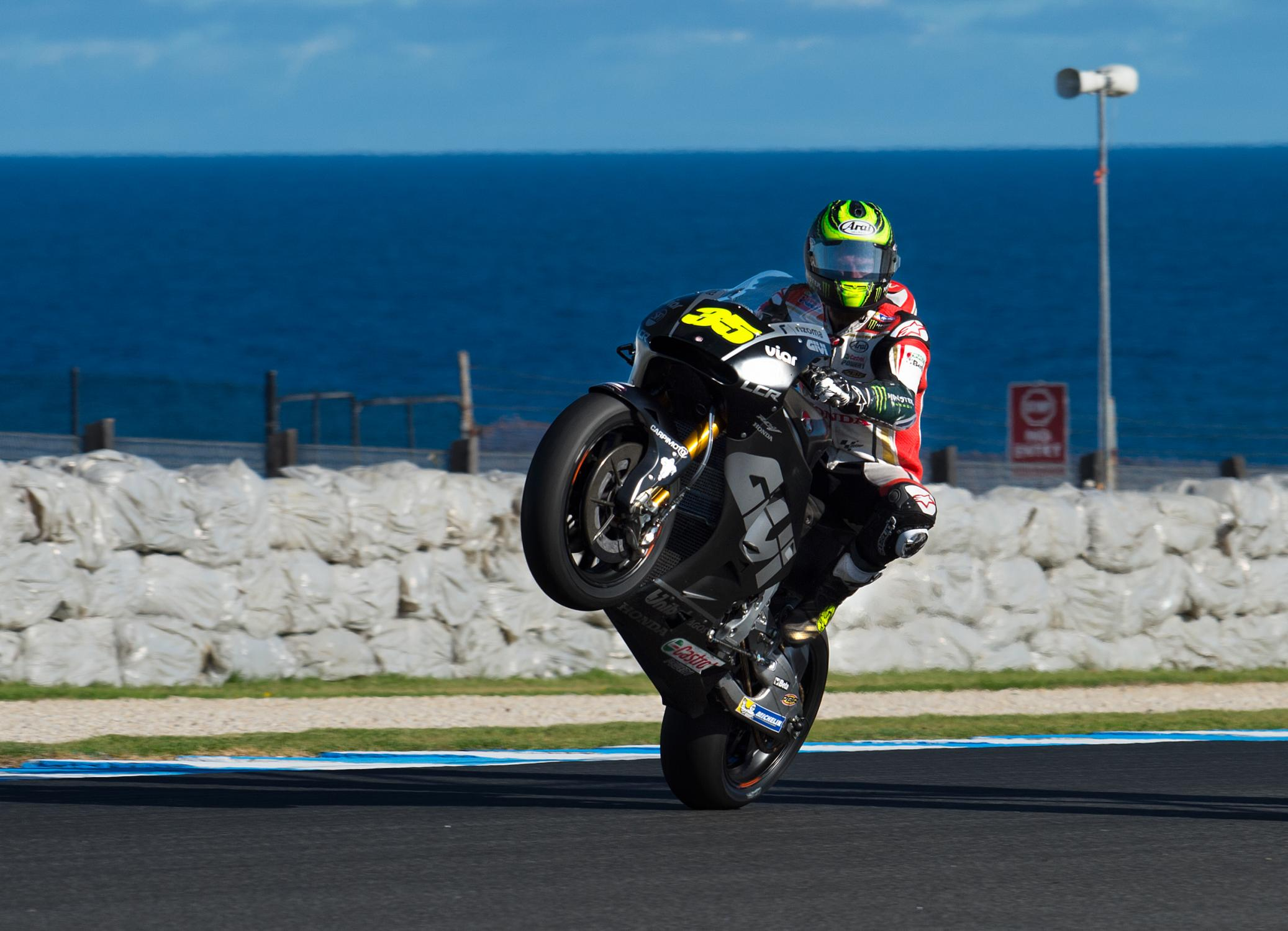 Test MotoGP Phillip Island 2016 Cal_wheelie.gallery_full_top_fullscreen