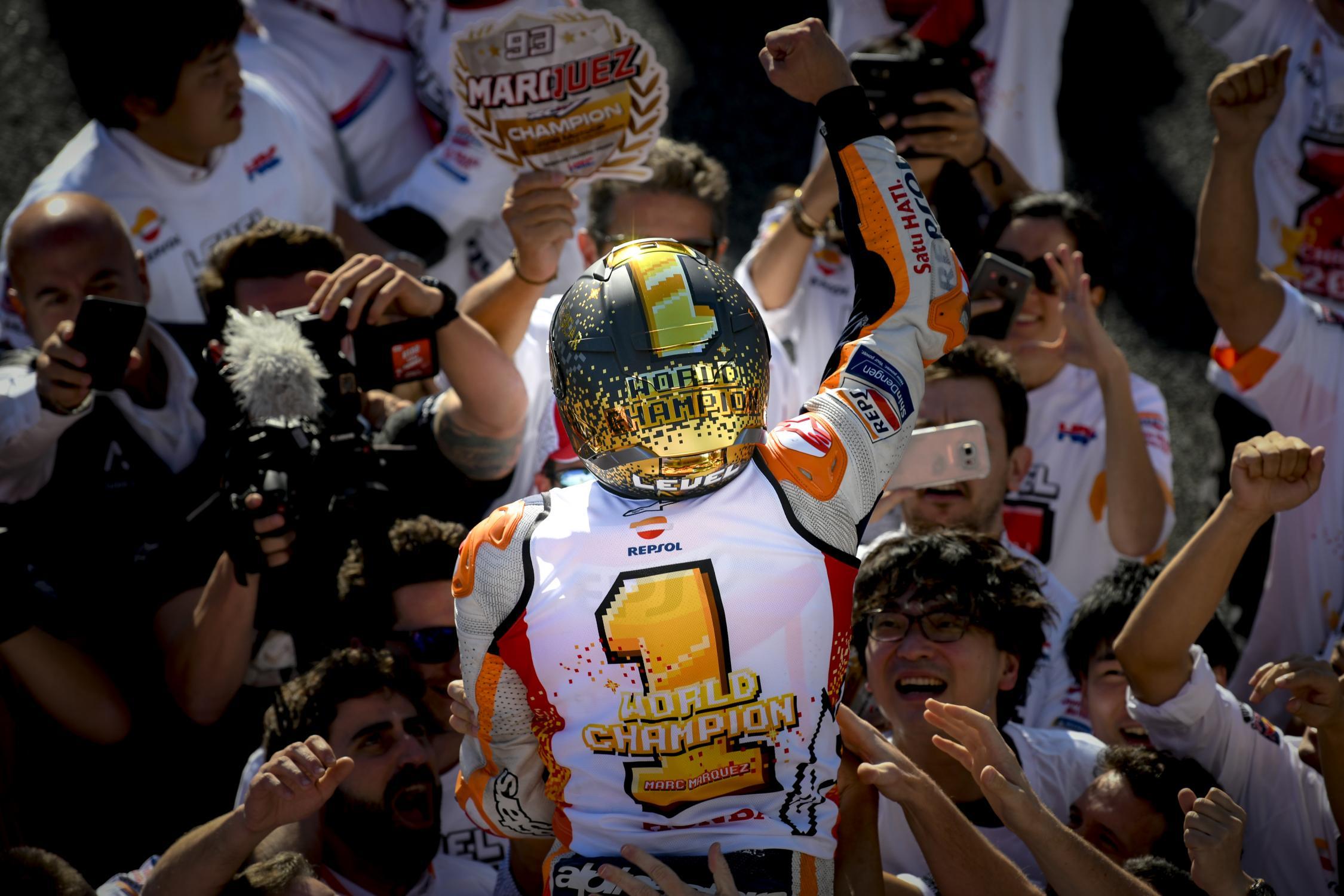 Le bar de la compétition moto ! - Page 38 _ds01421.gallery_full_top_fullscreen