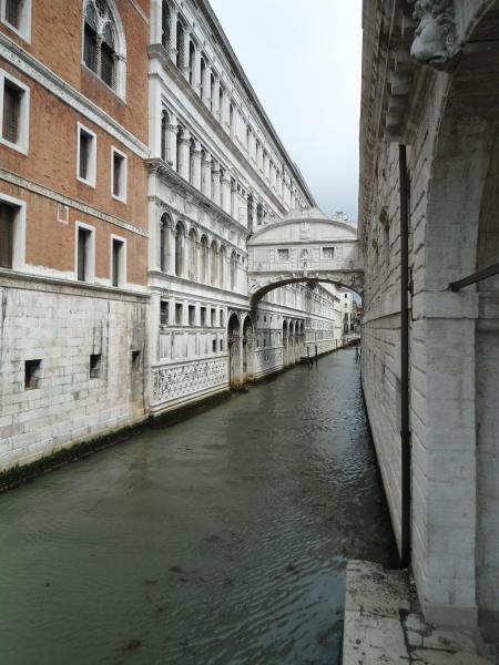 جسر التنهدات البندقية بإيطاليا 63_big