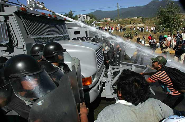Guerrero - Vehiculos militares llegan a Guerrero para garantizar la eleccion - vehiculos sin matricula? 006oax