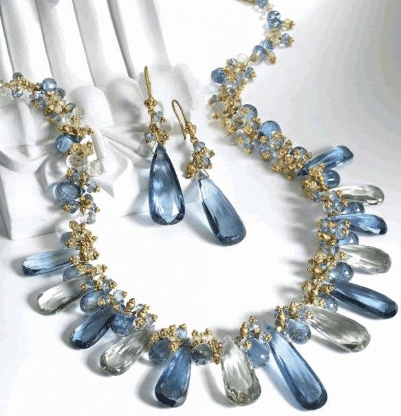 مجوهراتك حسب لون فستانك Images-6527ca4fc956