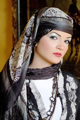 أجعلي أناقتك في حجابك , اناقة الحجاب  Images-9e98cce1fc65