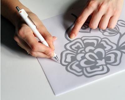 طرق الرسم الصيني على الحرير.... Images-cfb79442f595