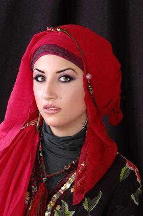 أجعلي أناقتك في حجابك , اناقة الحجاب  Images-d5e2d5f22196