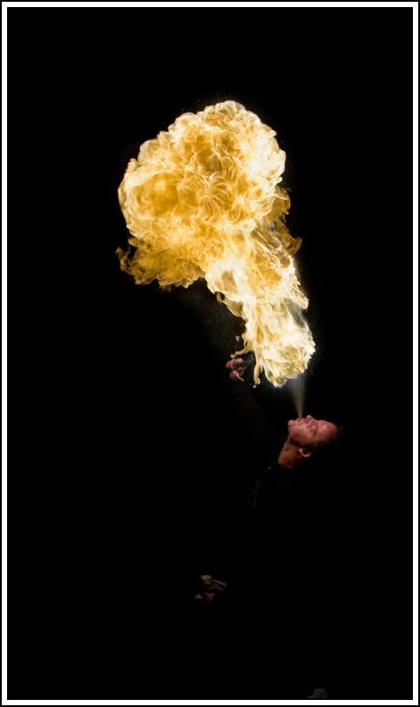Photos cracheurs de feu - anniversaire 8 ans palais tokyo 21 janvier 2012 - Page 8 K5A13938