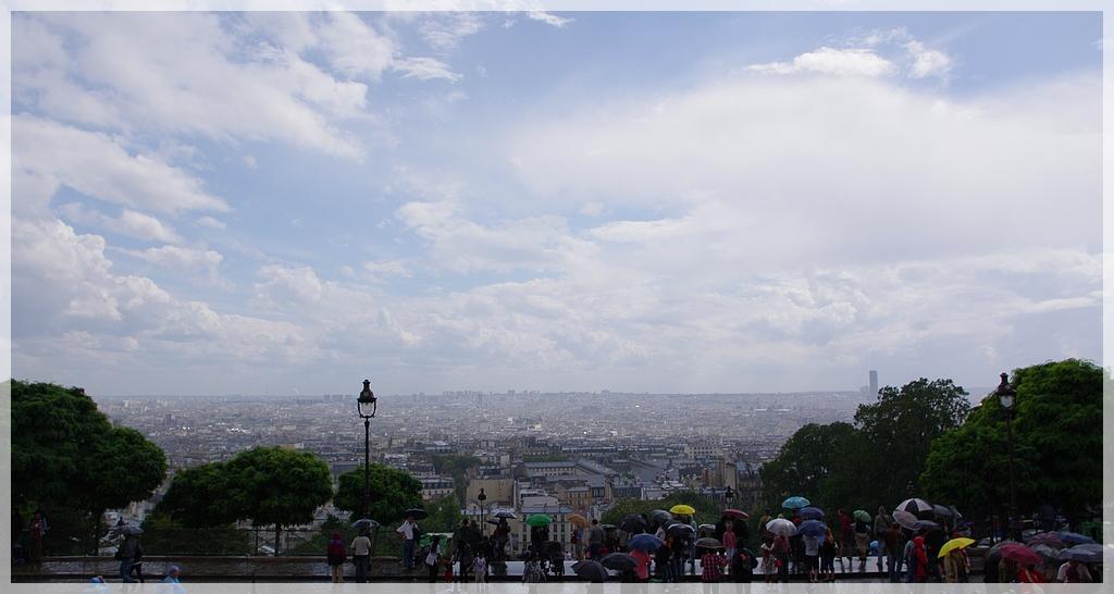 Montmartre à la mi-août K7010983