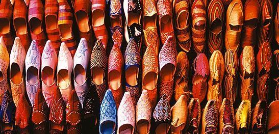 كل ما يخص العرس المغربي بالصور...واااااااااو BABOUCHES
