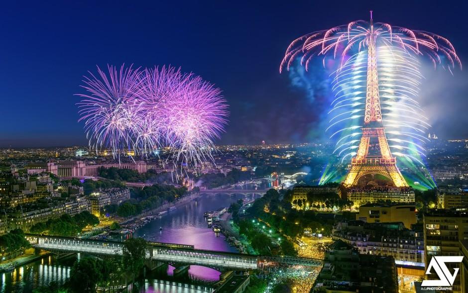 mon coup de coeur photo de la semaine - Page 8 Feu-dartifice-Paris-2015-940x589