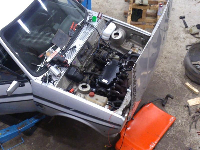 "Grey - Ford Fiesta -82 ""FIA"" going RS-Turbo. G-tech sid 10. - Sida 3 Under_konstruktion"