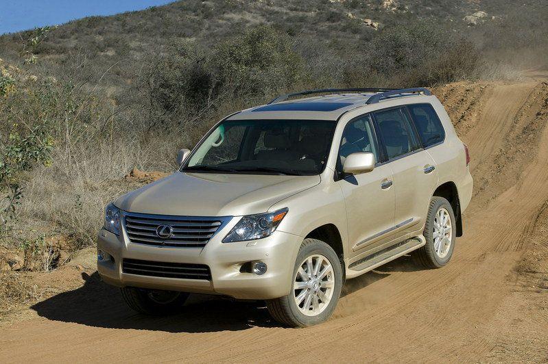 تقرير كامل عن السيارة لكزس lx 570 بالصووووووووووووووور 2010-lexus-lx570-50_800x0w