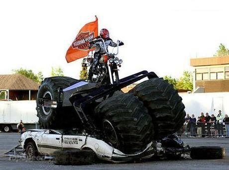 No limit à l'imagination pour les motos, Humour of course! Harley-davidson-xr12-7_460x0w