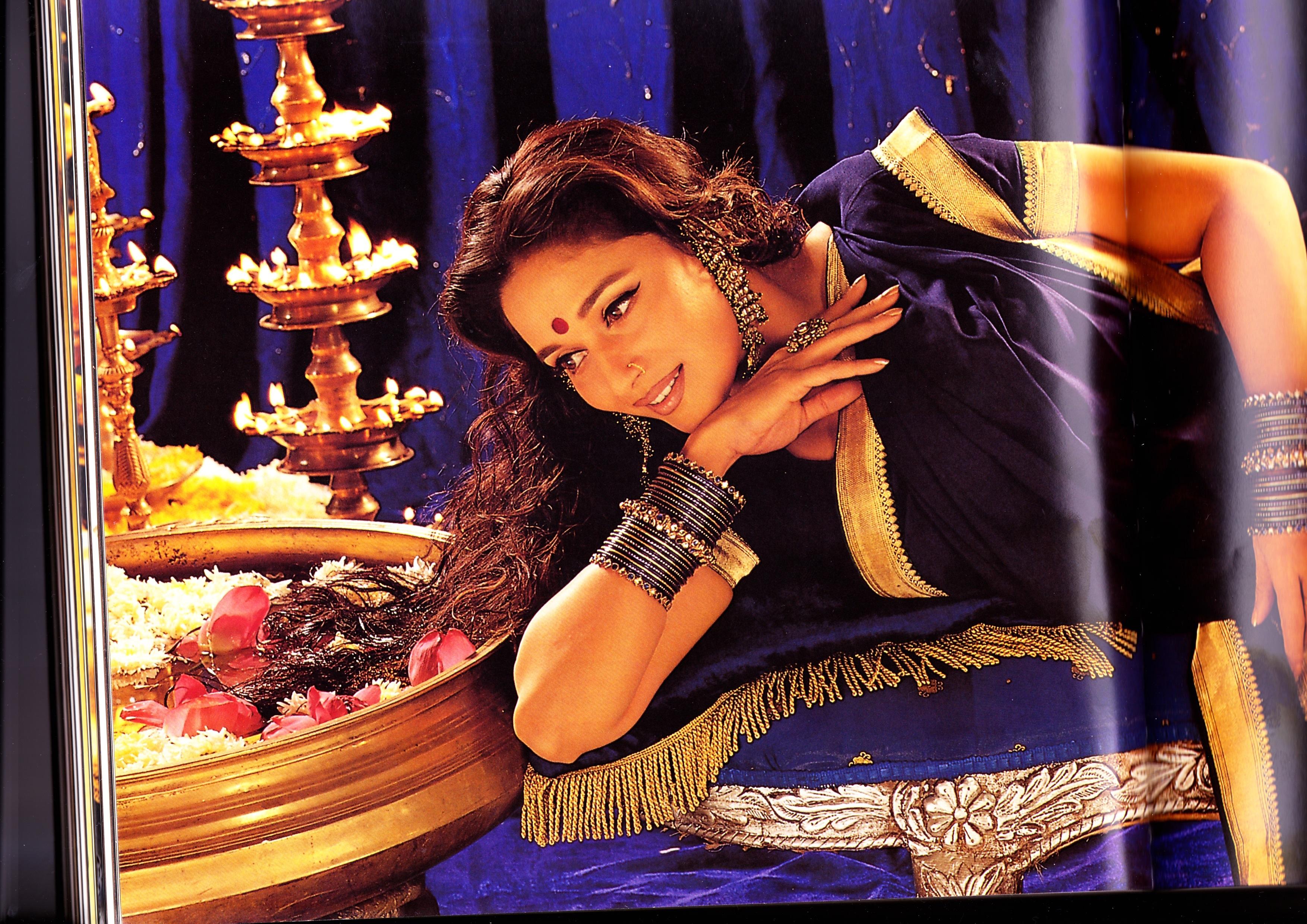 Devdas (2002) - Stránka 3 KRFmadhurichajrV