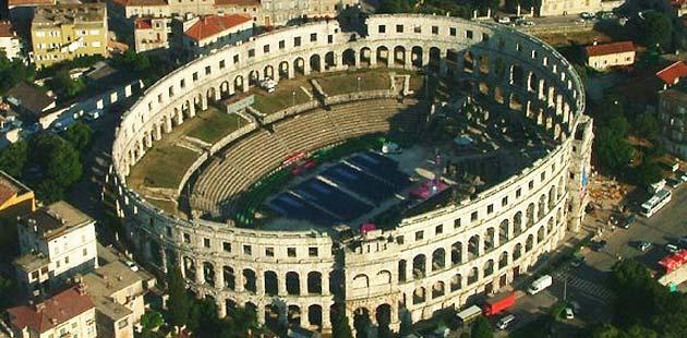 Zanimljivosti o poznatim građevinama - Page 2 Pulska-arena