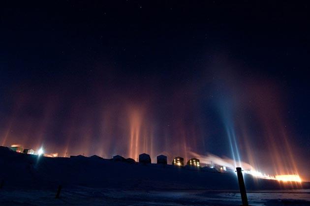 Najzanimljiviji prirodni fenomeni - Page 6 Svjetlosni-Stubovi1