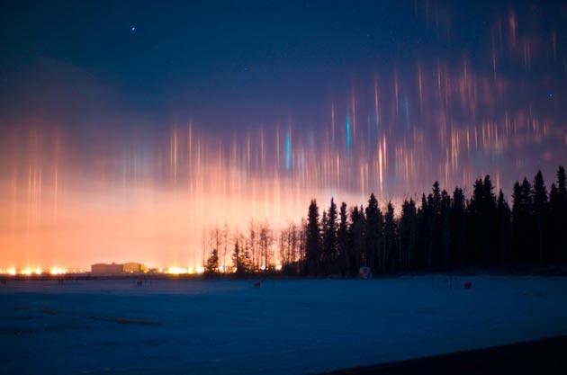Najzanimljiviji prirodni fenomeni - Page 6 Svjetlosni-Stubovi4
