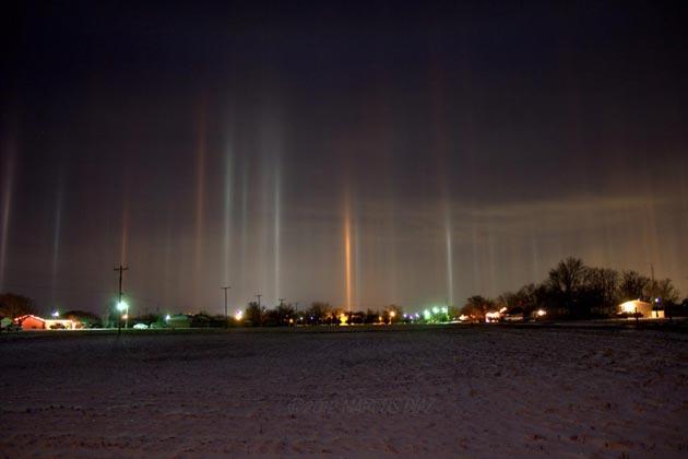 Najzanimljiviji prirodni fenomeni - Page 6 Svjetlosni-Stubovi5