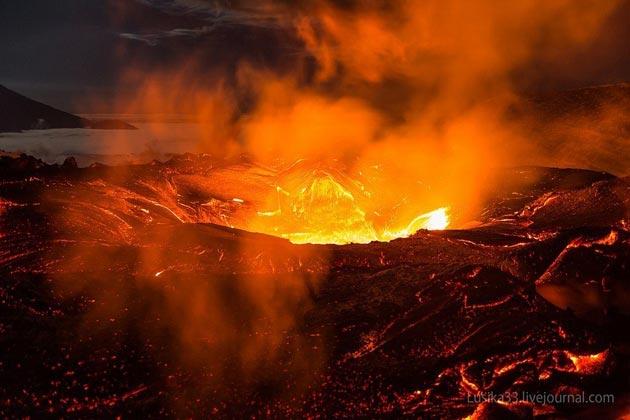 Vulkani - Page 3 Plosky-Tolbachik-vulkan1