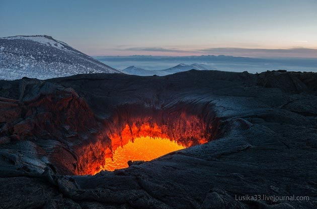 Vulkani - Page 3 Plosky-Tolbachik-vulkan8