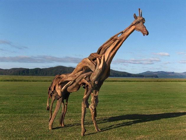 Čudne statue širom sveta - Page 11 Skulpture-od-drveta1