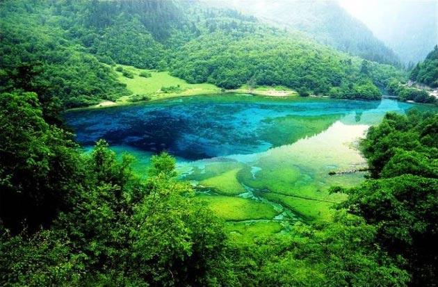 Najlepši nacionalni parkovi sveta Jezero-pet-cvjetova-2