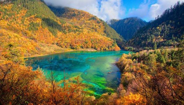 Najlepši nacionalni parkovi sveta Jezero-pet-cvjetova-6