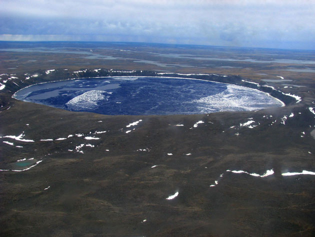 Krateri na Zemlji Pingualuit-krater-3