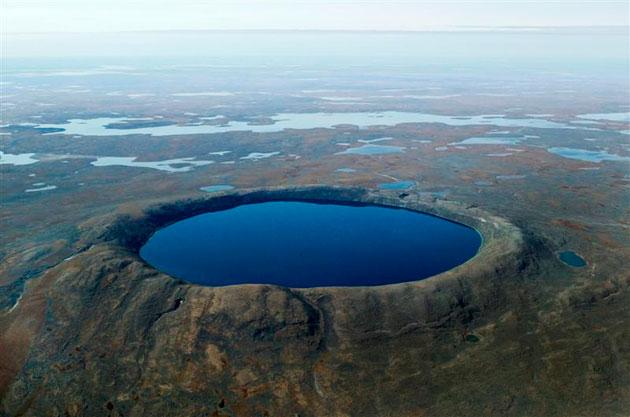Krateri na Zemlji Pingualuit-krater-7