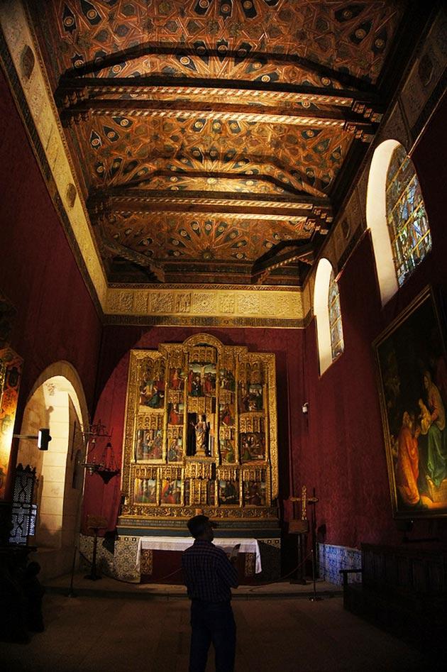 Dvorci koje verovatno nikada nećete posedovati - Page 3 Alcazar-de-Segovia-11