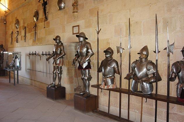 Dvorci koje verovatno nikada nećete posedovati - Page 3 Alcazar-de-Segovia-7