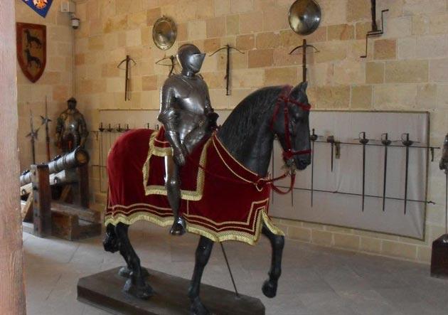 Dvorci koje verovatno nikada nećete posedovati - Page 3 Alcazar-de-Segovia-9