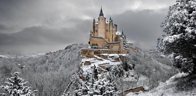 Dvorci koje verovatno nikada nećete posedovati - Page 3 Alcazar-de-Segovia