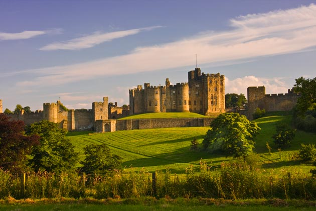 Dvorci koje verovatno nikada nećete posedovati - Page 3 Alnwick-Castle-5