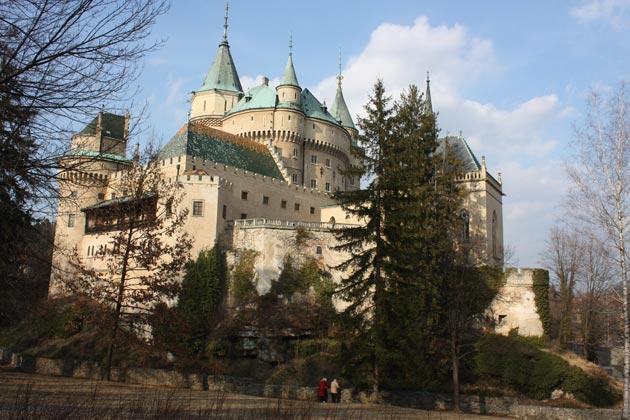 Dvorci koje verovatno nikada nećete posedovati - Page 4 Bojnjicki-dovrac-2