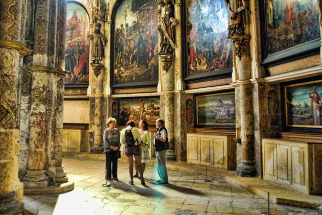 Dvorci koje verovatno nikada nećete posedovati - Page 4 Convento-de-Cristo-10