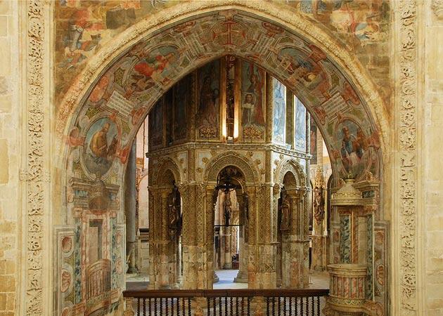 Dvorci koje verovatno nikada nećete posedovati - Page 4 Convento-de-Cristo-8