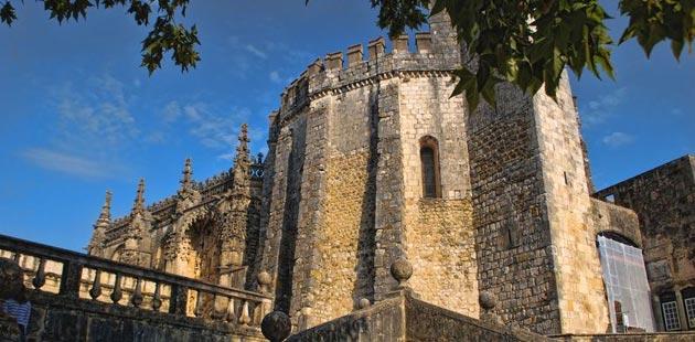 Dvorci koje verovatno nikada nećete posedovati - Page 4 Convento-de-Cristo