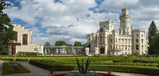 Dvorci koje verovatno nikada nećete posedovati - Page 3 Hluboka-16