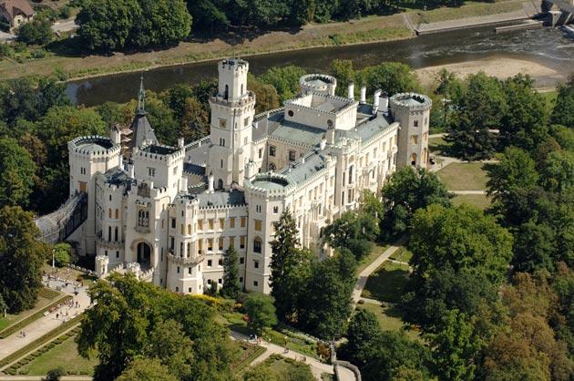 Dvorci koje verovatno nikada nećete posedovati - Page 3 Hluboka-2