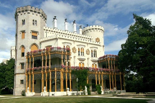 Dvorci koje verovatno nikada nećete posedovati - Page 3 Hluboka-6