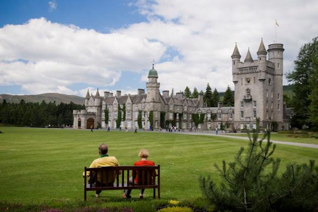 Dvorci koje verovatno nikada nećete posedovati - Page 3 Balmoral-4