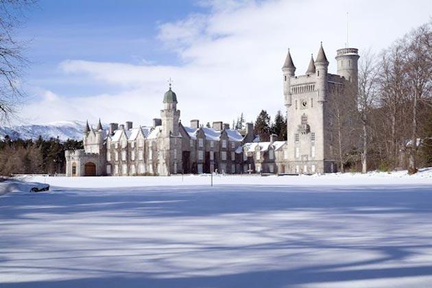 Dvorci koje verovatno nikada nećete posedovati - Page 3 Balmoral-6