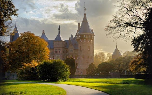 Dvorci koje verovatno nikada nećete posedovati - Page 3 Kasteel-de-Haar-1