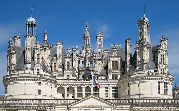 Dvorci koje verovatno nikada nećete posedovati - Page 3 Dvorac-Chambord-4
