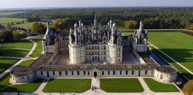 Dvorci koje verovatno nikada nećete posedovati - Page 3 Dvorac-Chambord