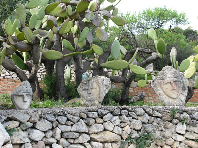 Vrt 'seoskog luđaka', Sicilija Il-Castello-Incantato-12