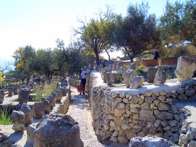 Vrt 'seoskog luđaka', Sicilija Il-Castello-Incantato-5
