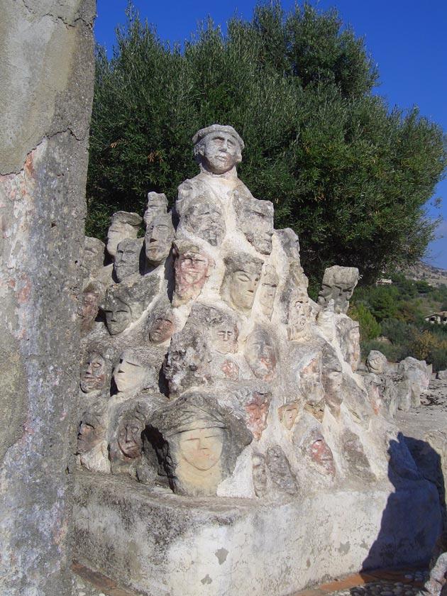 Vrt 'seoskog luđaka', Sicilija Il-Castello-Incantato-6