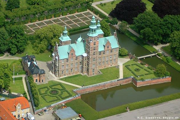 Dvorci koje verovatno nikada nećete posedovati - Page 4 Rosenborg-3